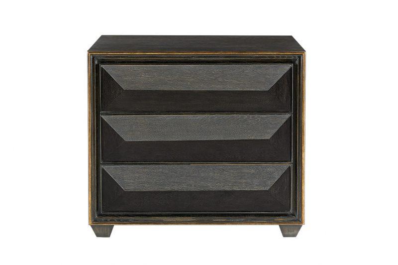 Quinn Bachelors chest