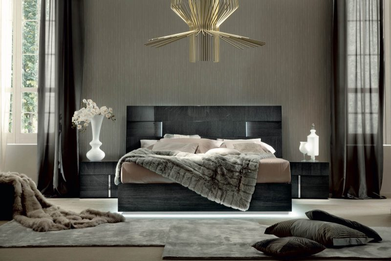Montecarlo King Bed with Lights