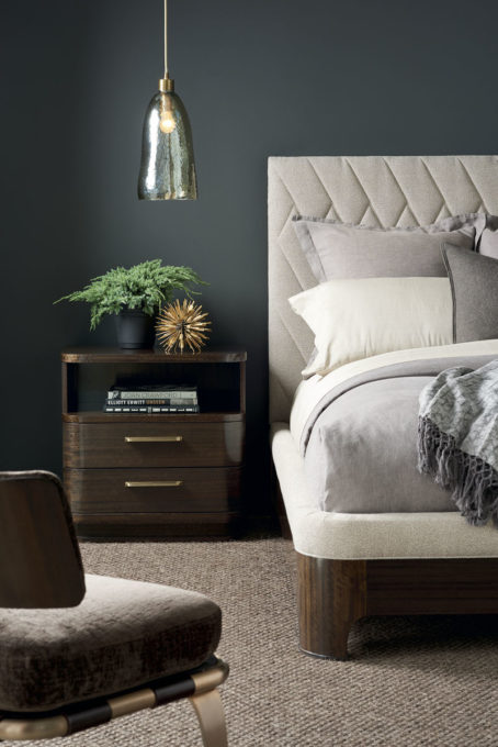 Moderne Queen Bed and Two Night stands